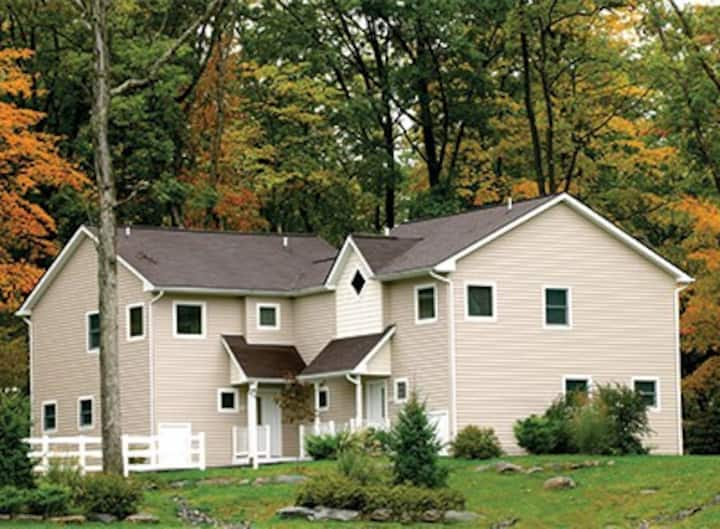 POCONO MOUNTAINS - Shawnee Village Resort