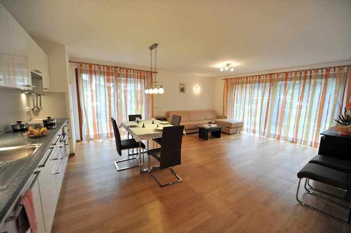 106 - Modern apartment with garden