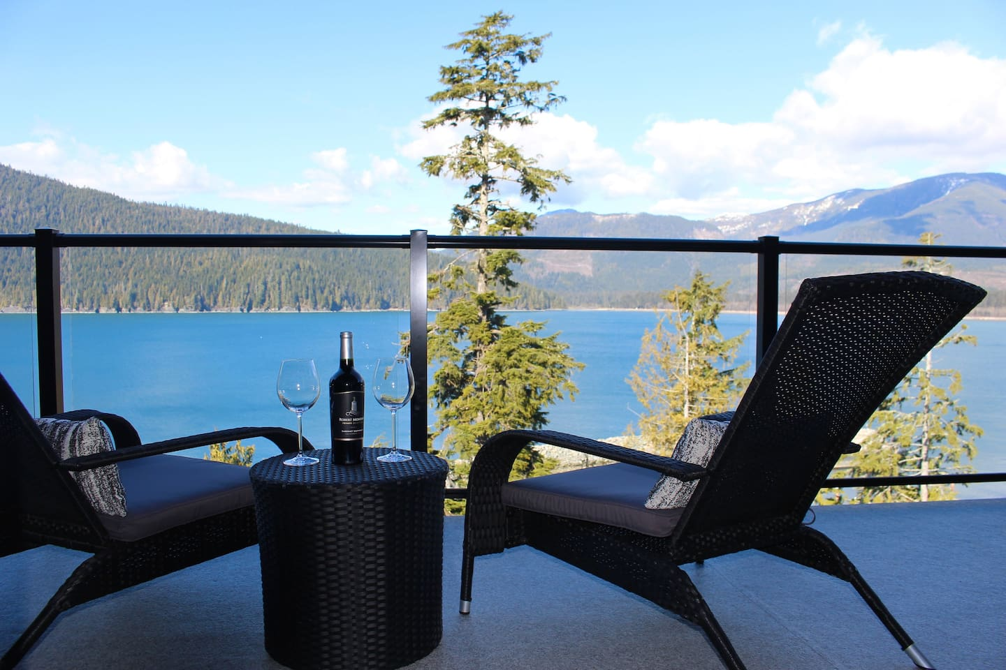 Relax with a glass of wine or your morning coffee while basking in the breathtaking views!
