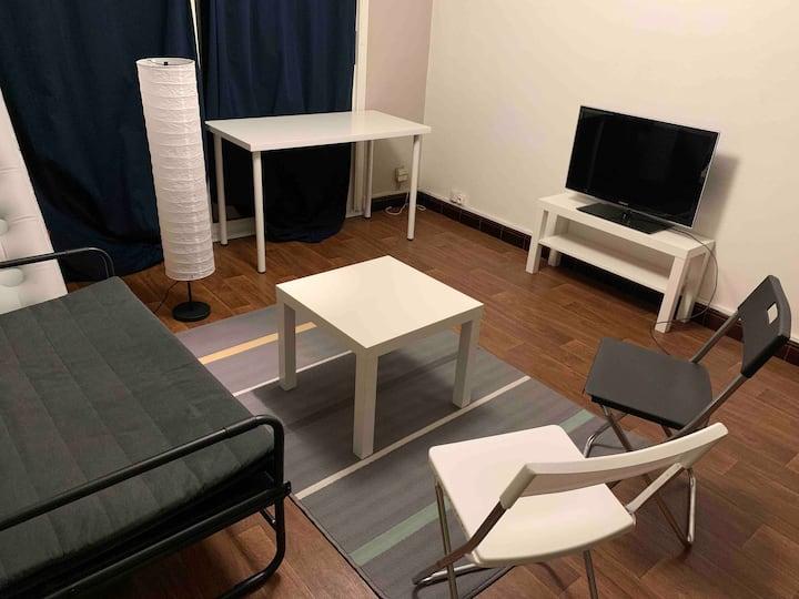 Chambre privée de l'appartement à Lille hellemmes