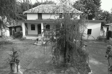 Village Home Stay- The Shakuntla!