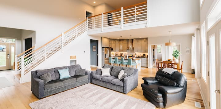 Mountain View Retreat - Plenty of space and extras