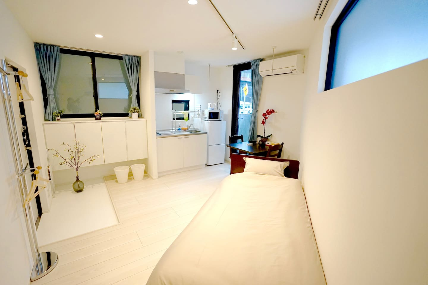 Welcome to Court Residence Nakano! A brand-new apartment in Tokyo, that's 4 min by train to Shinjuku.