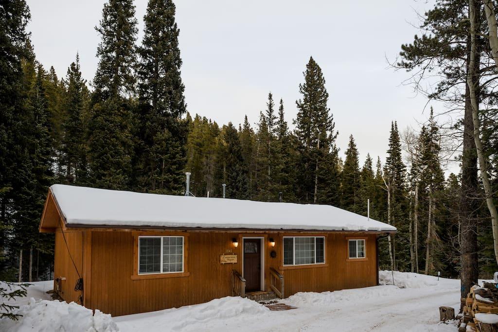 Moon creek cabin private winter wonderland cabins for for Winter cabin rentals colorado