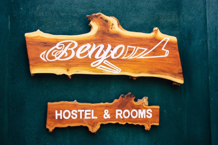 Benjo Hostel, just 5km to Katunayake Airport!