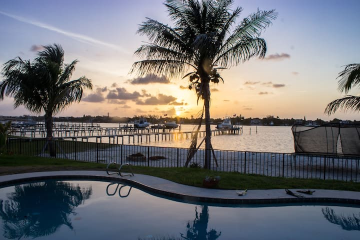 Waterfront Paradise Luxury Intercoastal home