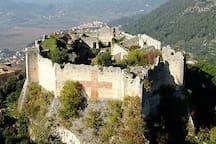 nelle vicinanze: il castello di Vicalvi
