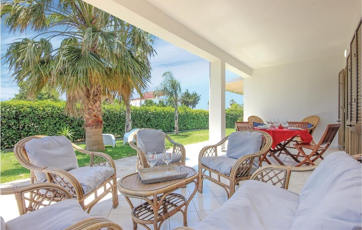 Holiday cottage with 2 bedrooms on 73m² in Porto Palo
