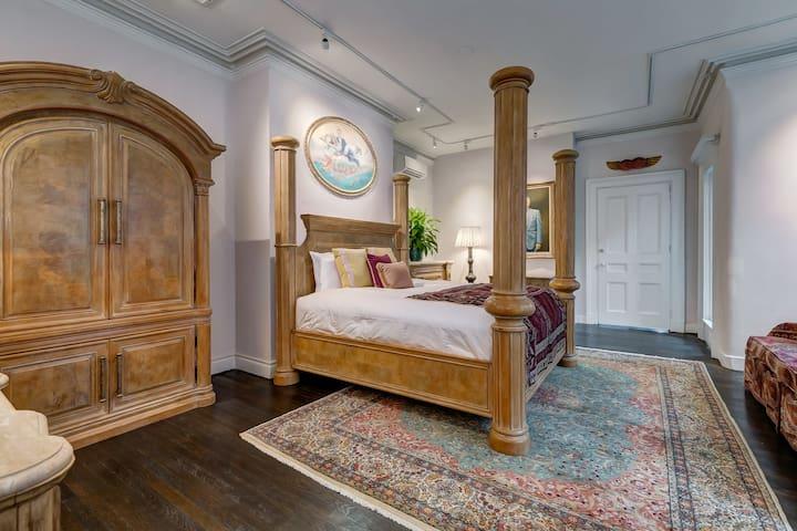 The Elliott bedroom