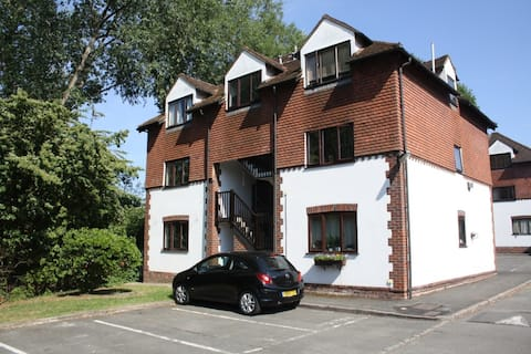 Cosy apartment in beautiful conservation area.