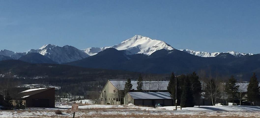 Family Mountain Condo w/ Amazing Views