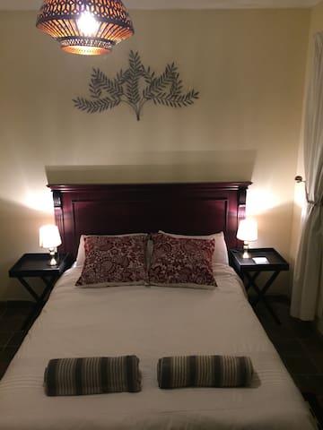 Bedroom 6-1 (en-suite)