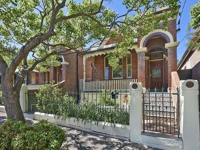 Heritage home in leafy location - Sydney