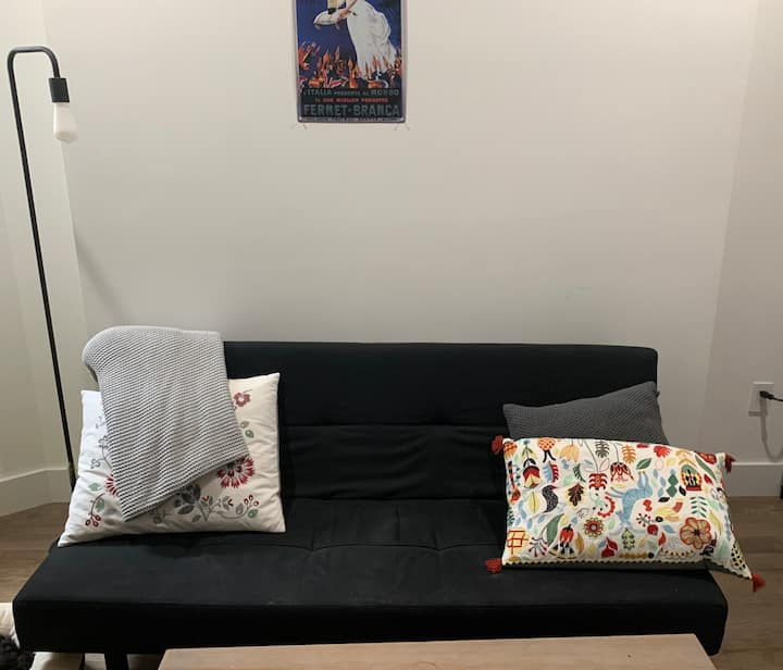 Room for rent in the heart of LES/Chinatown