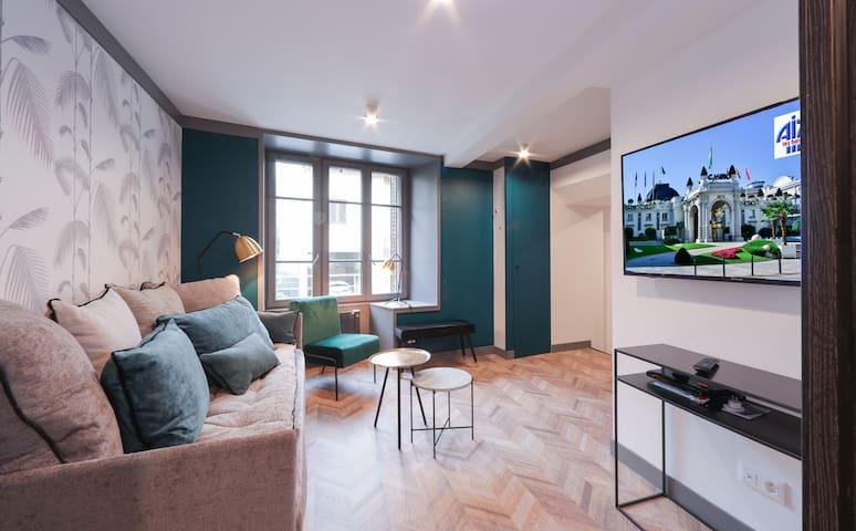 L'Alcôve, renovated apartment down town