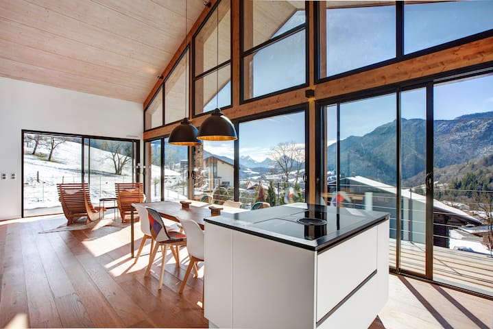 Exclusive Nordic design chalet with alpine view
