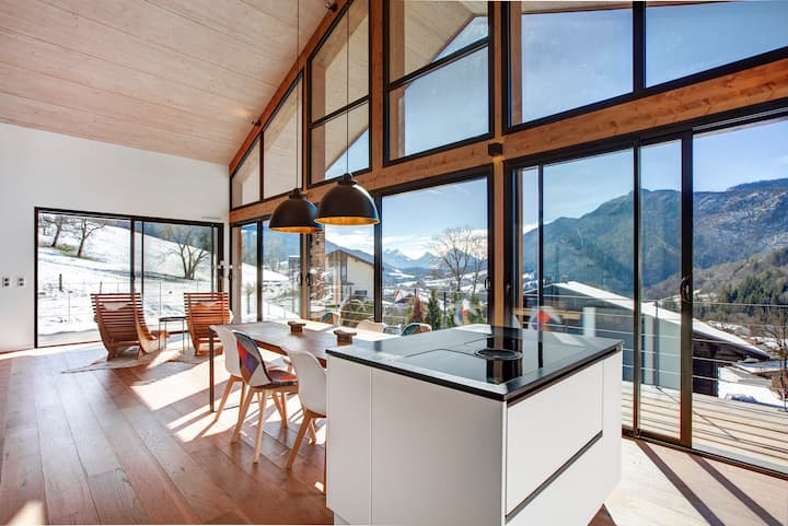 Exclusive Nordic design chalet with alpine view
