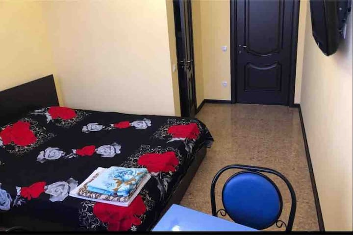 Двухместный номер с одной большой кроватью