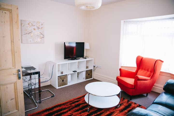 74 Brinkburn Serviced Apartments - Darlington - Leilighet