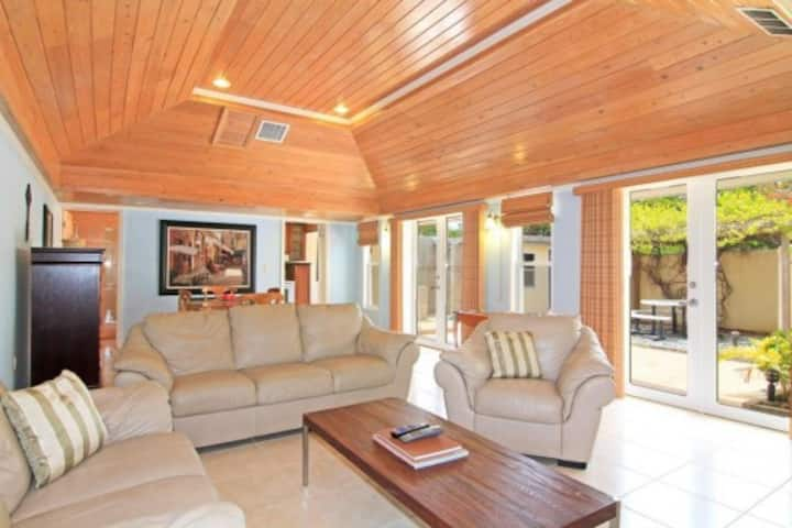NEW SunnySide Villa- 2BR/3BA Margaritaville resort