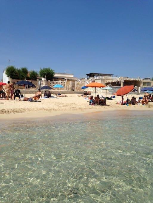Casa sulla spiaggia case in affitto a san pietro in bevagna puglia italia - San pietro in bagno ...