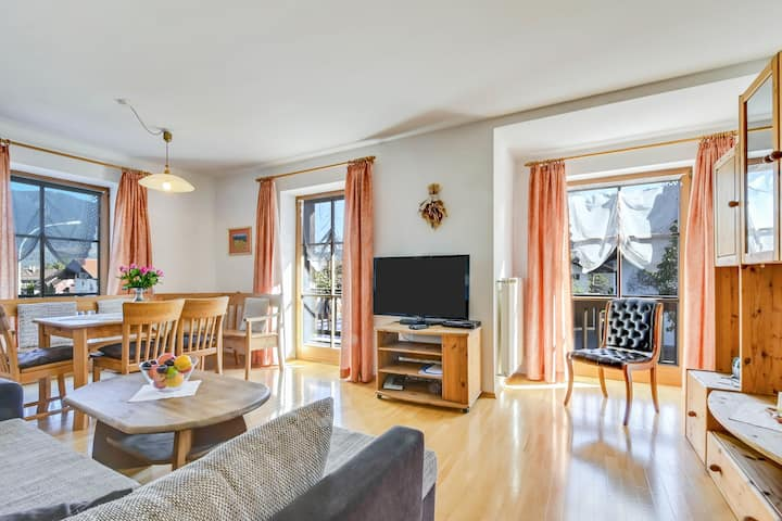 """Cosy Katharinenhof Holiday Apartment """"Kramer Groß"""" with Balcony, Mountain View & Wi-Fi; Parking Available, Pets Allowed"""