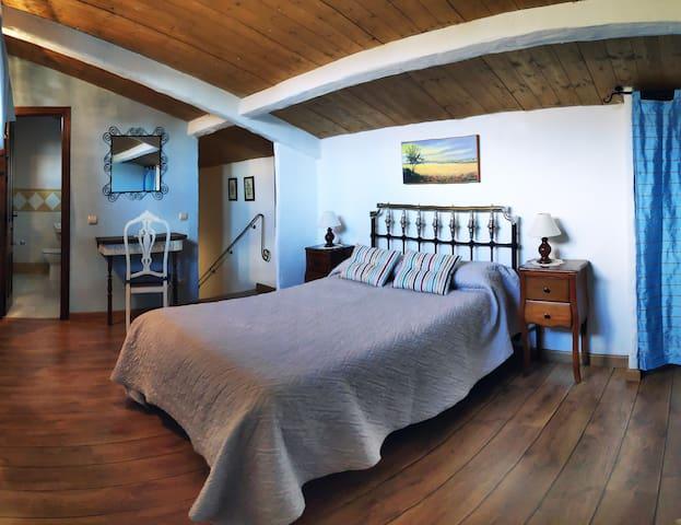 Habitación en la buhardilla