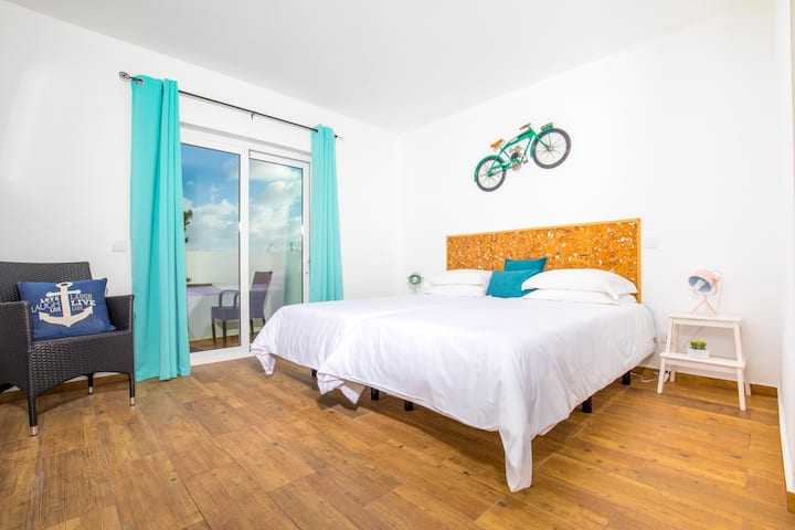 Sagres Sun Stay Twin Room with Private Bathroom