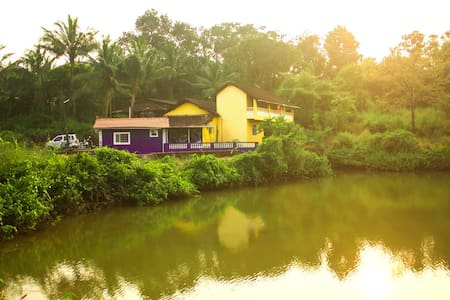 Amazing lake view Room, totally Goa - Aldona - Dom