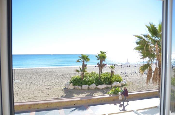 APARTAMENTO BAJONDILLLO BEACH 1