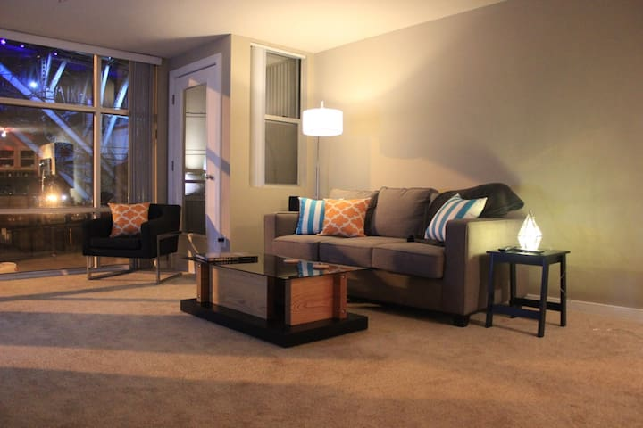 Modern luxury apartment located downtown - Cleveland - Leilighet