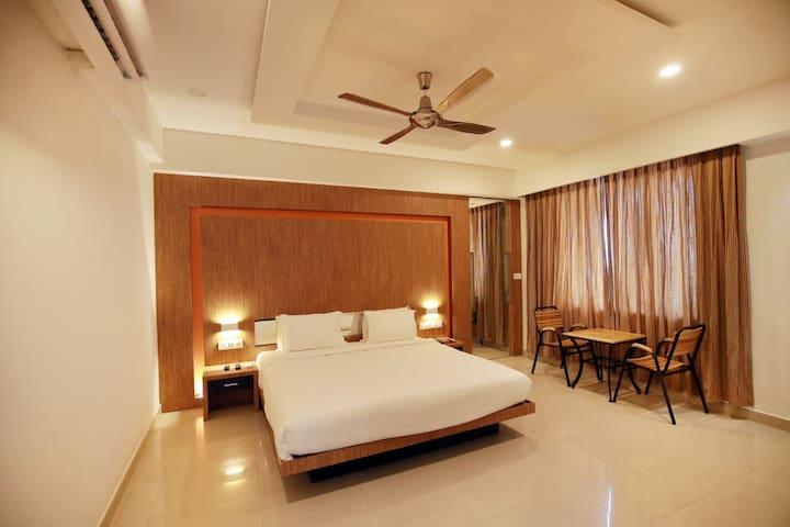 VS Residency- Executive Double Bedroom II, Ac