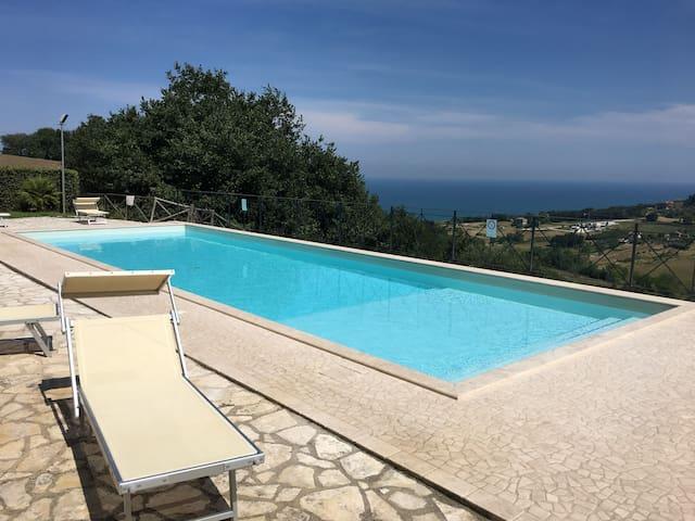 Cozy apartment - Beautiful seaview & Swimming pool
