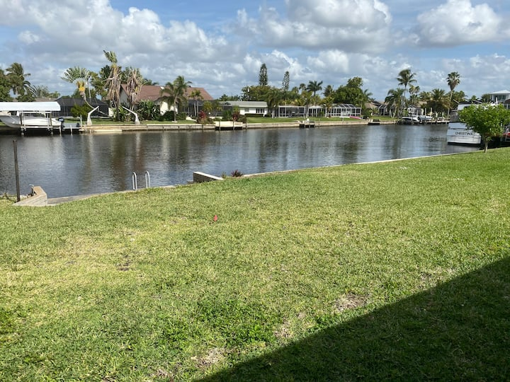 Cape Coral Canal View 2 Room Suite (B&B)