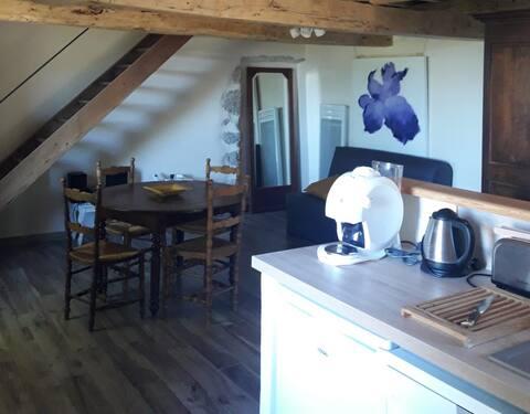 Studio duplex indépendant à Meyrouse, à Mévouillon