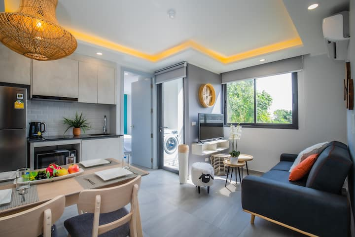 2 Bedrooms Condo near Chalong Circle