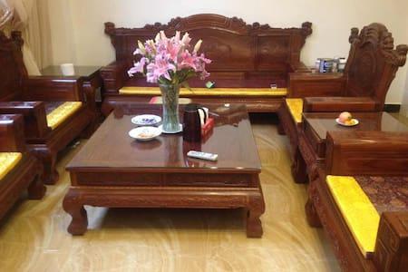 腾冲腾越镇交通方便,舒适,温馨民宿(有4个房间,最多可住9个人) - Baoshan - ที่พักพร้อมอาหารเช้า
