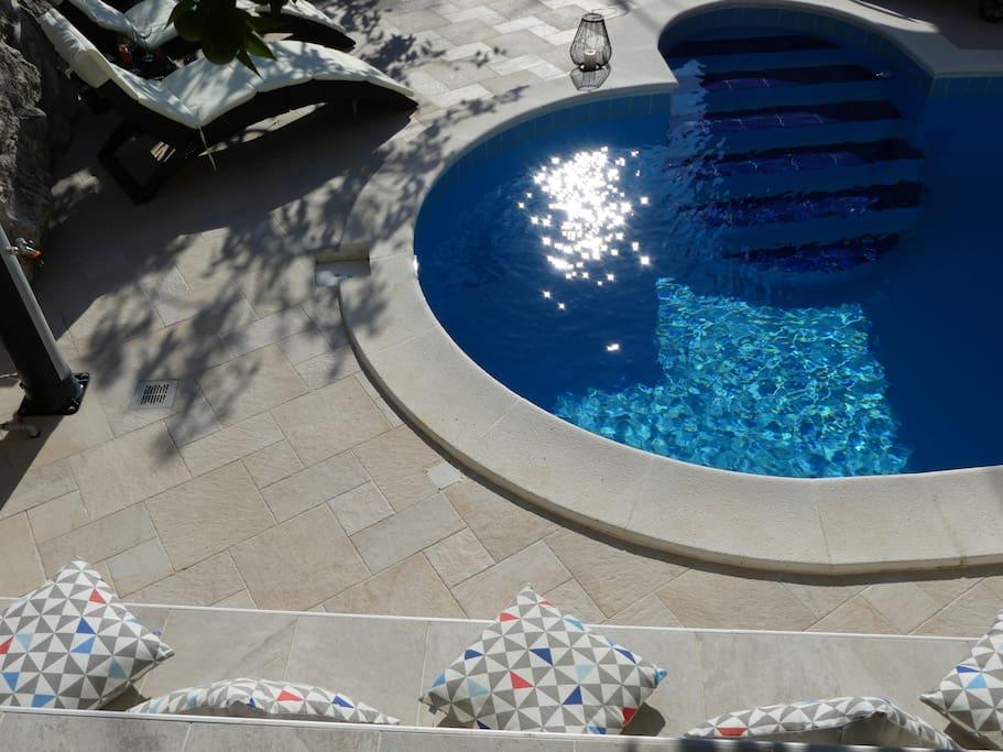 Pool detail 2