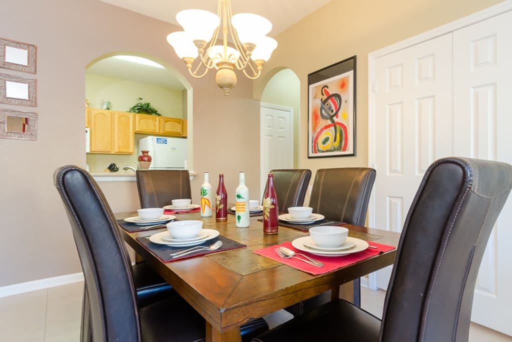 Dining room for 6 will be perfect for the evening meals