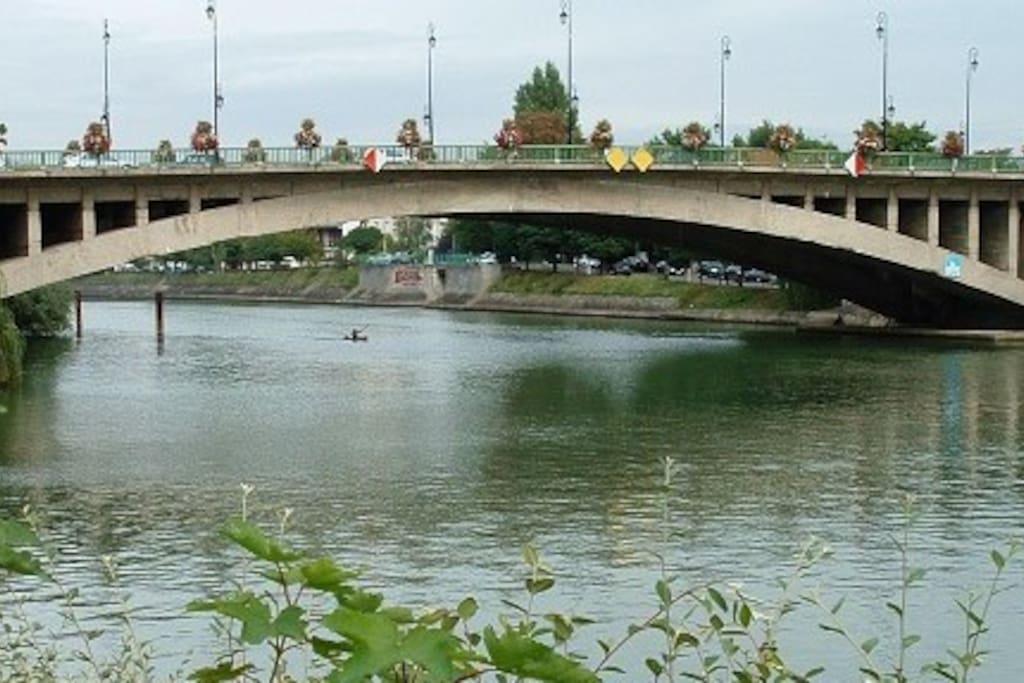 Pont de Joinville et Bords de Marne pour de jolies balades.