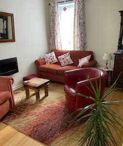 Ground floor flat with easy access to town center.