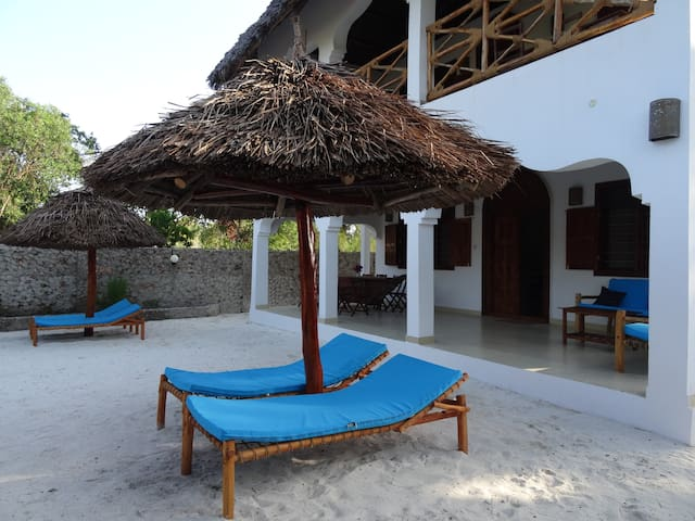 PAMOJA VILLA!  Only a few steps from the beach. 3