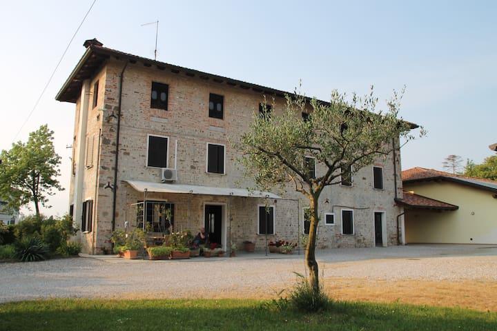 Casa di Inna (Stanza Elena)