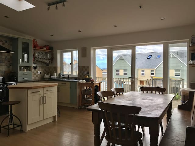 Family friendly seaside holiday home in Appledore