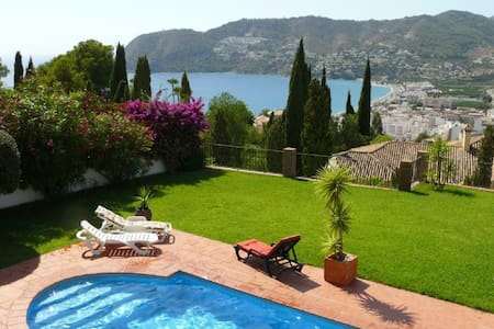 5 Bedroom Villa with Sea Views and Private Pool - La Herradura - Willa