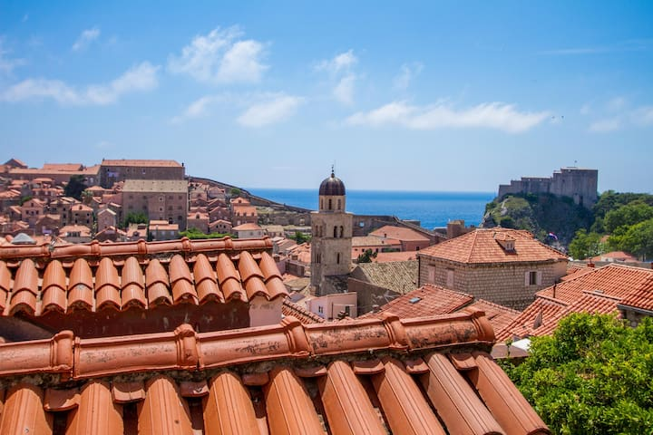 Apartment with amazing view in Dubrovnik Old Town