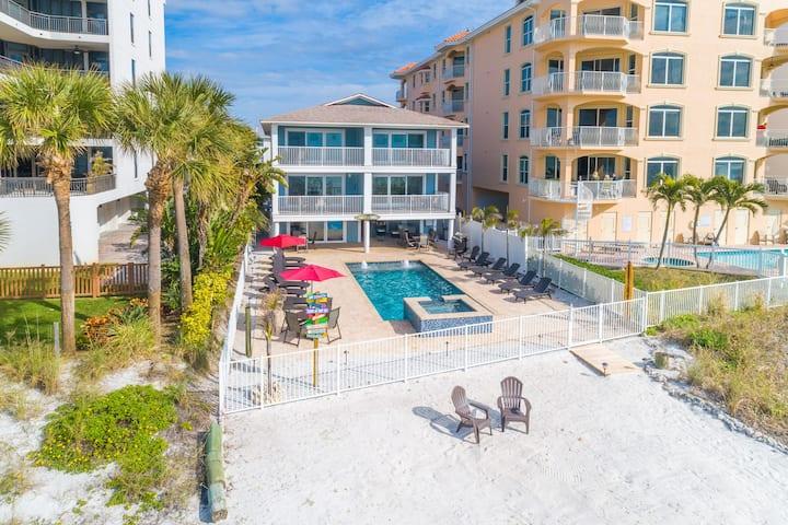 Newly Renovated Direct Beachfront Condo! 3/2 #2