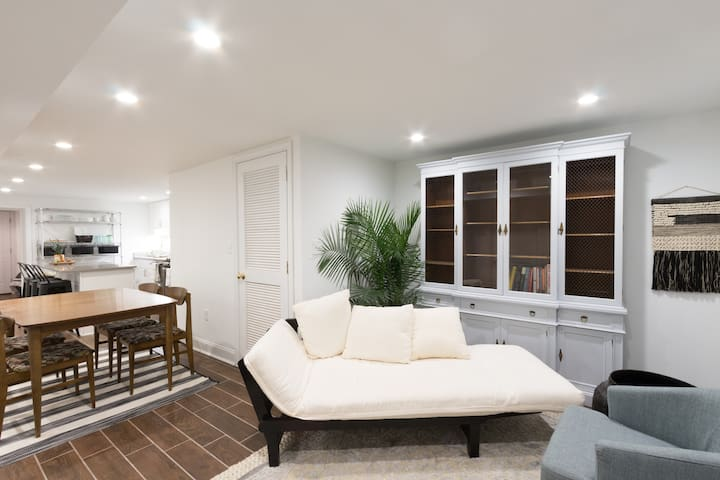 Newly Renovated 2 Bdr Apartment - Woodley Park