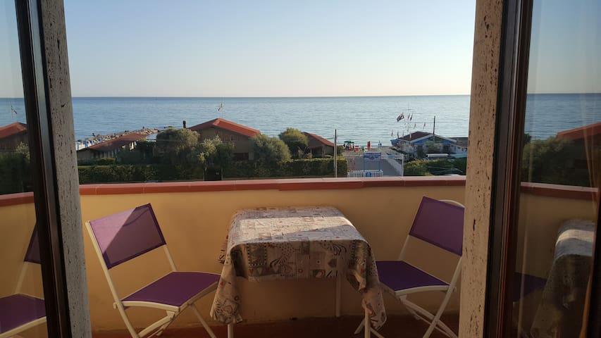 LUNAMARINA   a   50 metri  dalla  spiaggia - Marinella di Sarzana - Leilighet