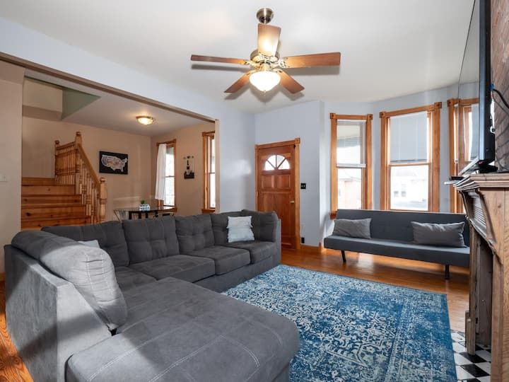 Short North Modern Home with Balcony & Jacuzzi